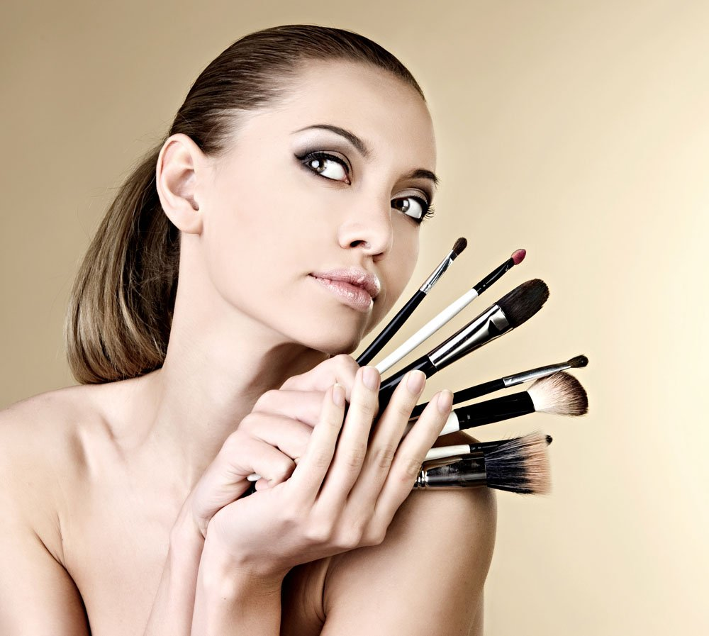 Cosmeticele necesare oricarei femei