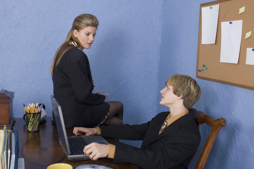 Relatii amoroase la birou! O alegere buna?