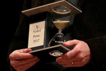 Cele mai traznite premii ale stiintei. Laureatii Ig Nobel din 2011